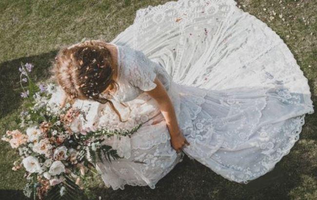 Фото: Тесс Ньюалл у сукні прапрабабюсі