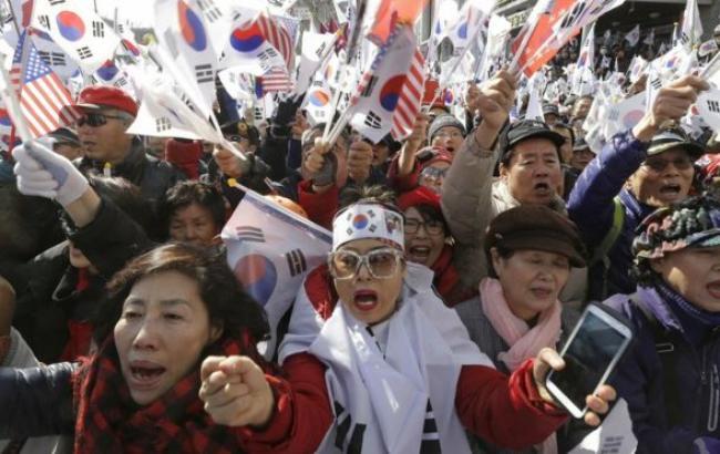 Фото: акції протесту в Сеулі