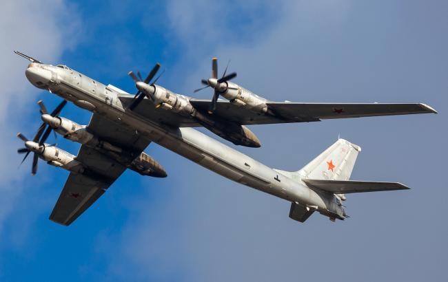Фото: російські бомбардувальники Ту-95 знову наблизилися до берегів Аляски