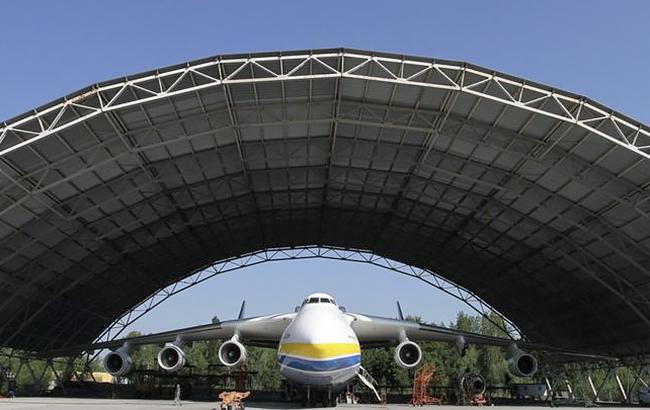Україна уклала угоди з ОАЕ щодо модифікації Ан-132
