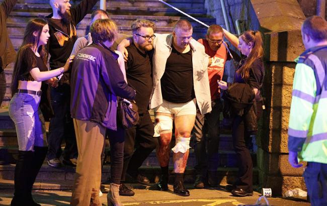 Взрыв в Манчестере: опубликованы фото и видео