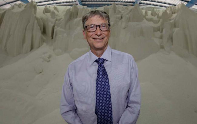 Билл Гейтс предложил вакцинировать людей по три раза