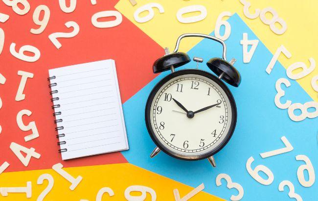 Вплине карантин: коли і на скільки переводити годинник у березні