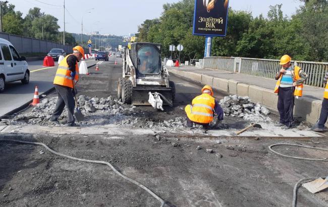 Фото: ремонт мосту Метро (kyivcity.gov.ua)