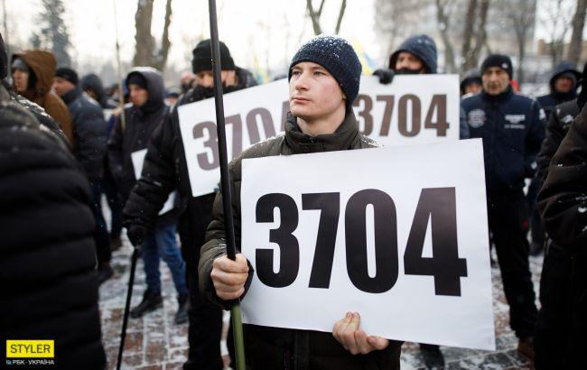 """Юрист розповів про нюанси розмитнення """"євроблях"""": 180 днів явно не вистачить"""