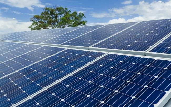 Фото: почта США будет вырабатывать энергию от Солнца