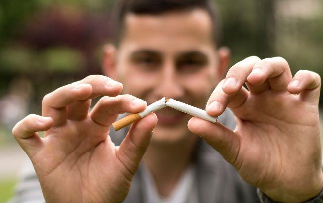 Сигареты, кальян или вейпер? Назван самый вредный вид курения
