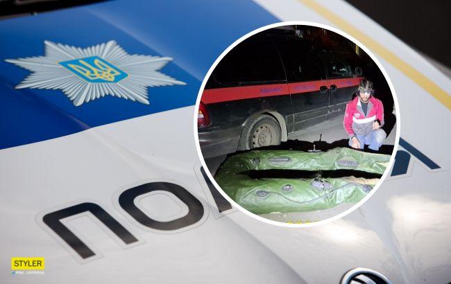 В Киеве неадекват напал на службу спасения животных и уничтожил их лодку: фото и видео