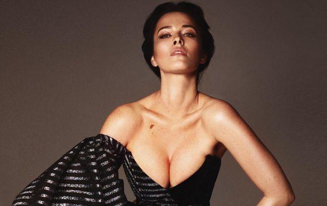 Даша Астафьева без лифчика показала сочную фигуру и подразнила фанатов