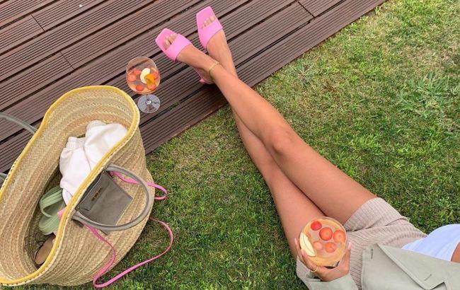 Кроссовки - антитренд: 5 самых модных вариантов летней обуви