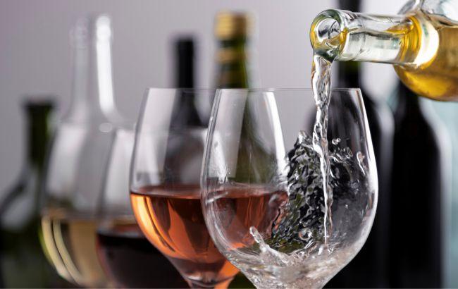 Назван алкоголь, который замедляет старение: важно пить правильно