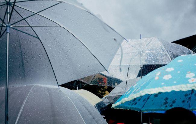 Погода станет опасной: синоптики предупредили о тумане и дождях на четверг