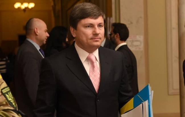 Фото: представитель президента в ВР Артур Герасимов рассказал об установлении следствием организаторов протестов в Киеве