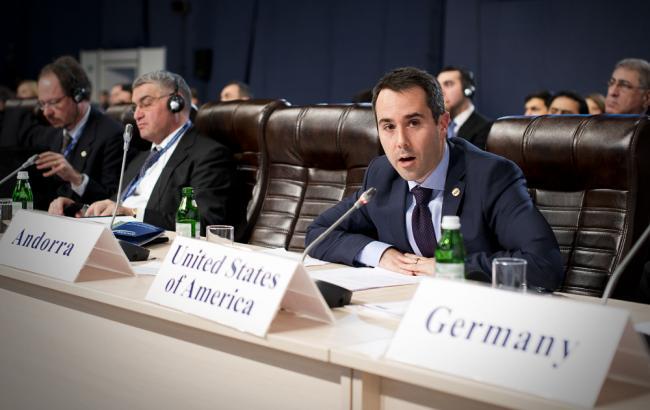 Фото: представитель США в ОБСЕ Дэниел Байер рассказал, сколько военных РФ переправила на Донбасс