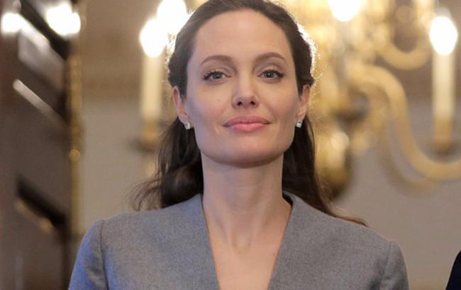 Фото: Анджелина Джоли (Cosmopolitan)