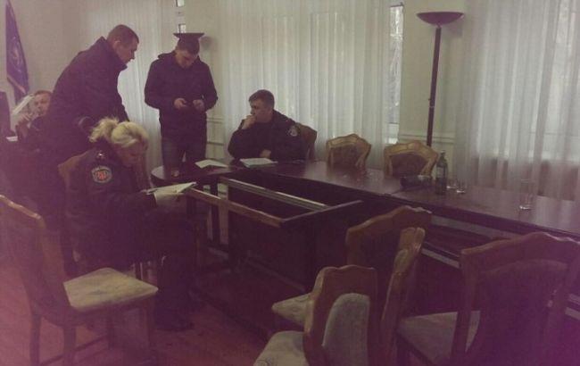 """Фото: неизвестные устроили погром в здании Одесской таможни (""""Думская"""")"""