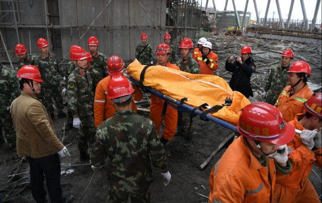 Фото: у результаті обрушениий на електростанції в Китаї загинули 74 людини