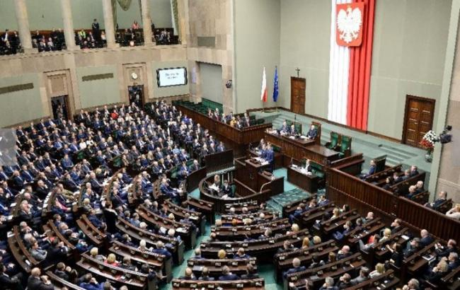 Фото: сейм Польщі планує встановити 11 липня Днем пам'яті жертв Волинської трагедії