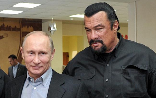 Фото: Путин и Сигал (Dirty.ru)