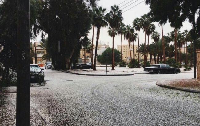Фото: в Саудовской Аравии выпал снег