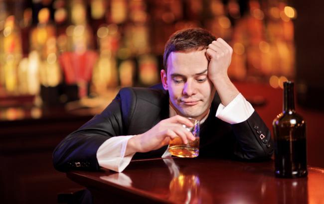 Фото: алкоголизм (ruslekar.info)