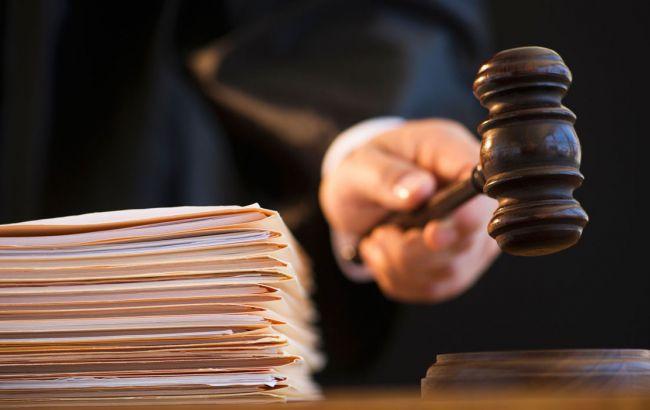 Справа судді Вищого господарського суду України Ємельянова розвалюється