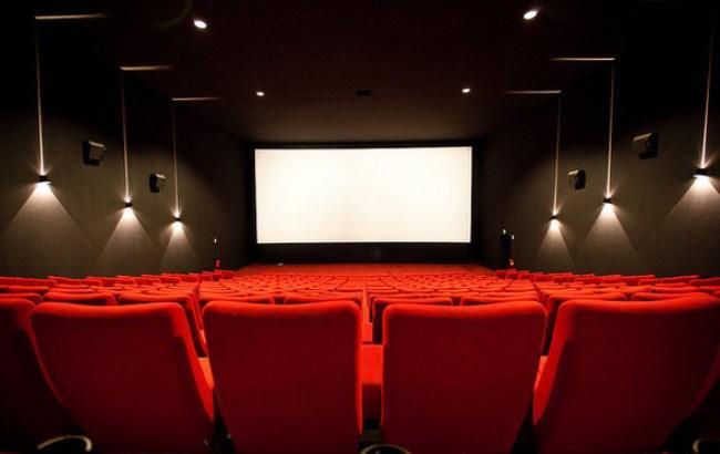 В Україні знову подорожчають квитки в кіно: стало відомо, чому