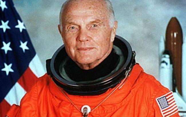 Фото: Джон Гленн первым из американских астронавтов совершил орбитальный полет