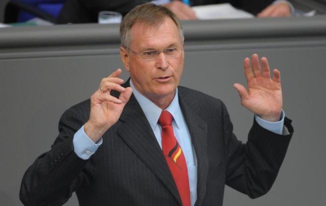 Вице-президент Бундестага в знак протеста отказался от визита в РФ