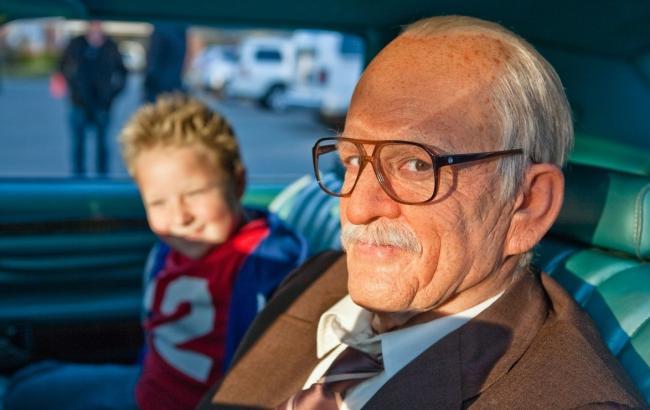 Фото: Літній чоловік (kinoprosmotr.tv)