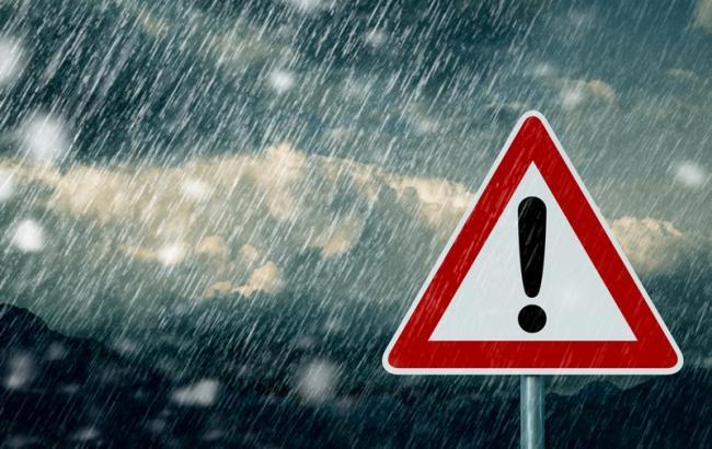 Метеопредупреждение: ожидается сильный снег, гололед, сильные порывы ветра