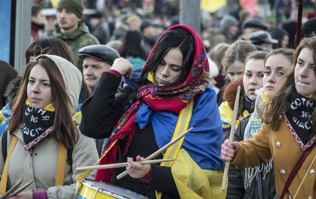 Практически половина украинцев желает преждевременно переизбрать Порошенко иРаду