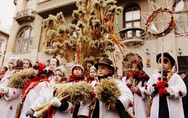 Фото: На старый Новый год щедруют дети и взрослые (ukraine-is.com)