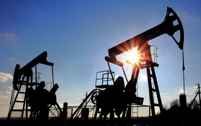 Нефть Brent торгуется выше $55 забаррель