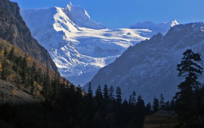При сходе лавины насевере Индии погибли 11 человек