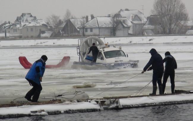 Рятувальники шукають зниклого рибалку в Київській області