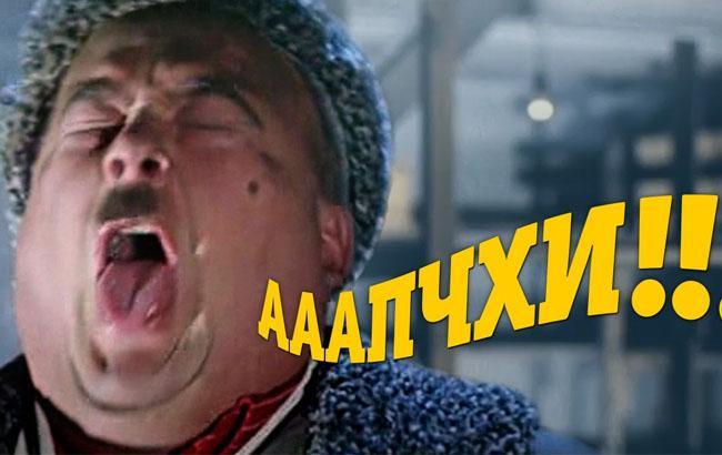 """Фото: Актер чихает в """"Операции Ы"""""""
