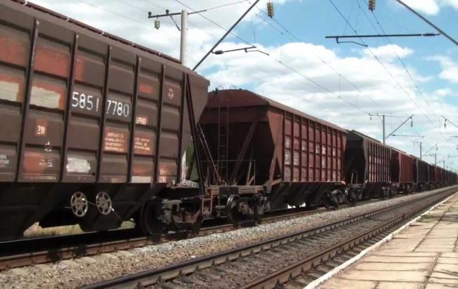 ВКиеве столкнулись два грузовых поезда исошли спутей