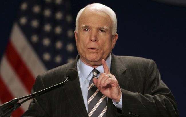 Маккейн закликав Трампа озброїти Україну у відповідь на заяву про м