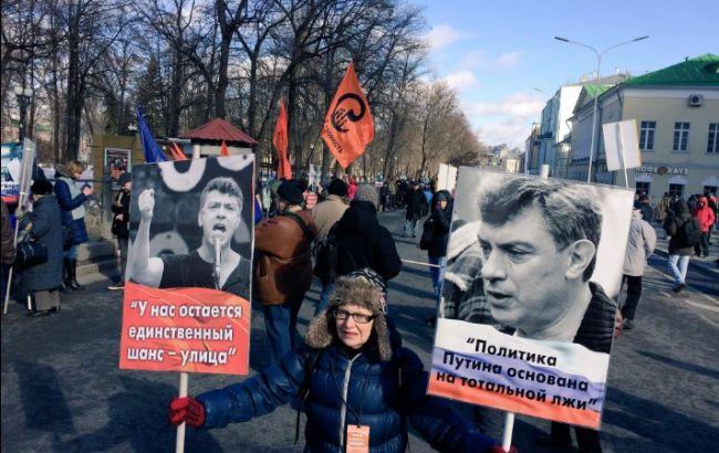 Намарше памяти Бориса Немцова Михаилу Касьянову плеснули влицо зеленкой