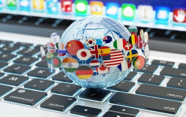 Компания Google начала использовать нейросети при переводе срусского языка