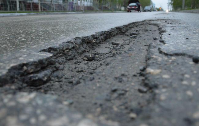Наукраинских трассах могут появиться знаки «Выбоины»