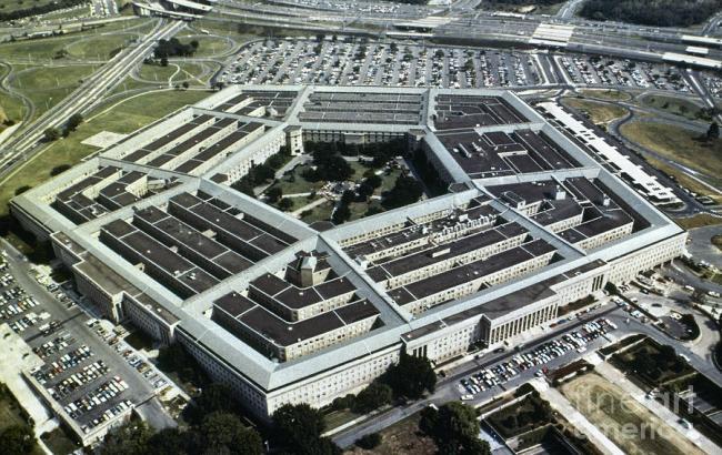 """Фото: Пентагону заборонили співпрацювати з """"Рособоронекспортом"""""""
