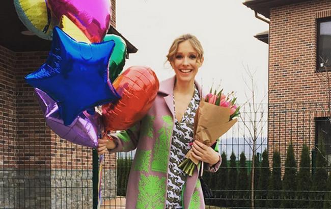 Катя Осадча показала, як колеги привітали її з народженням сина