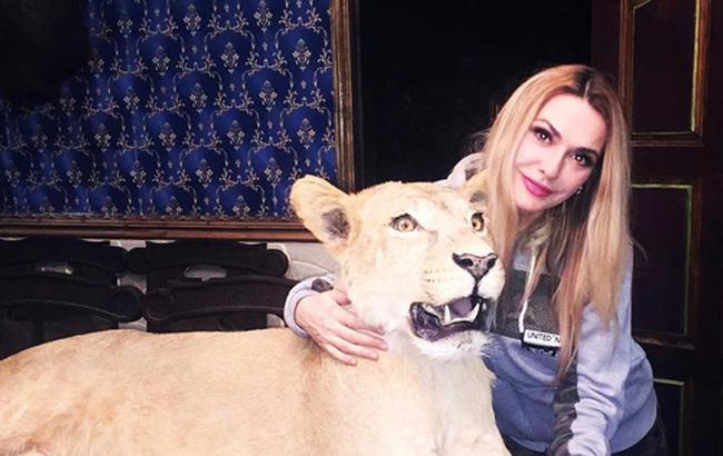 Ольга Сумська шокувала фанатів фотографією з левицею