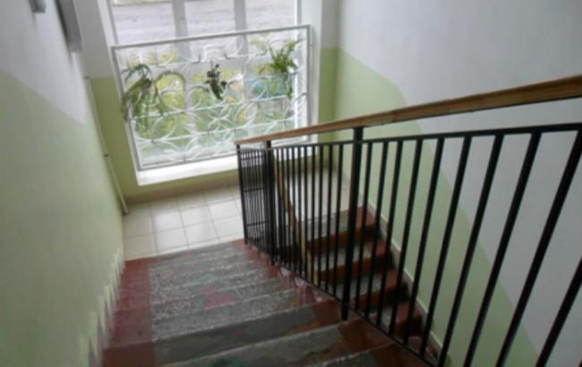 В одной из школ Львова обвалилась лестница между этажами