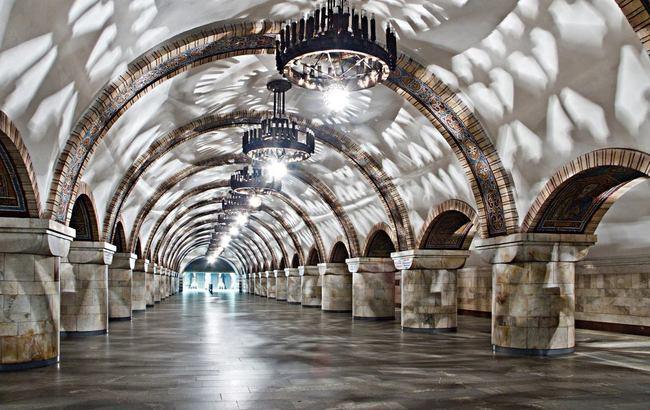 Фото: мобильный интернет работает на половине станций столичного метро