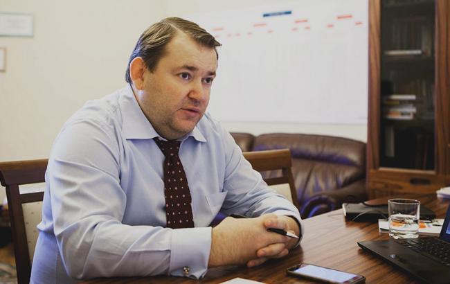 Порошенко встретился слидерами фракций Рады из-за ситуации сМВФ