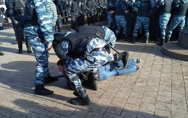 Нанесанкционированной акции в столице России задержаны сотни человек