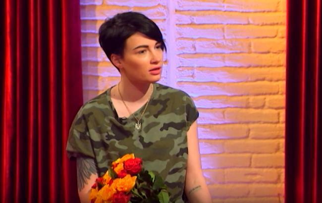 Анастасія Приходько показала кадри нового кліпу з лесбійськими сценами
